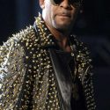 rs 634x1024 171024101221 634 r.kelly performing