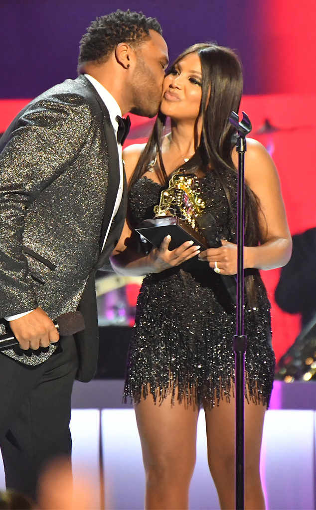 rs 634x1024 171126201118 634.soul train awards toni braxton.ct.112617