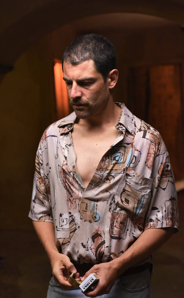 rs 634x1024 180124080906 634.versace american crime story.ch.012417