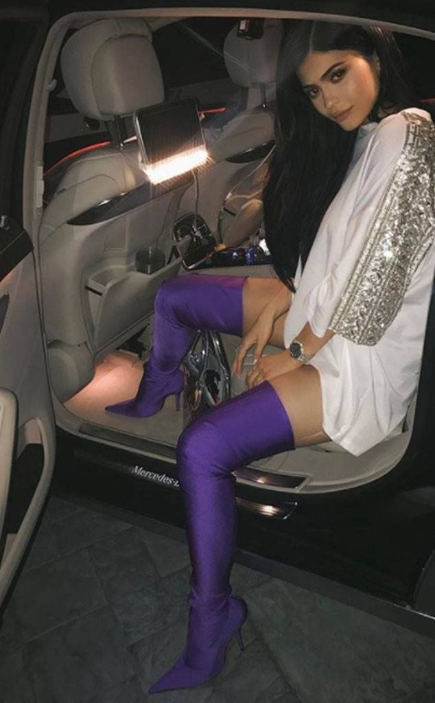 rs 634x1024 171221104628 KylieBoots