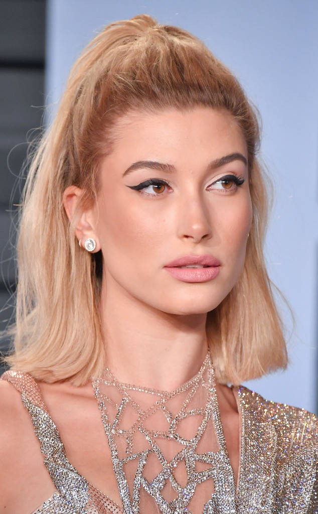rs 634x1024 180305132220 634 Vanity Fair Beauty Looks Hailey Baldwin.jl.030518